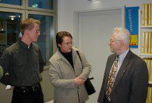 Fraktionsgeschäftsführer Andreas Schmitz und Ratsmitglied Angelika Gödde im Gespräch mit Arbeitsamtsdirektor Baldur Wienke