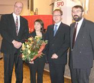 v.l.: Gerd Stüttgen, Dagmar Schmidt (MdB), Dr. Karsten Rudolph und der Vorsitzende der HSK SPD, Hermann-Josef Falke