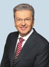 Der stellv. Vorsitzende der SPD-Bundestagsfraktion, Joachim Poß, kommt nach Meschede.