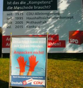 """Auf ihren neuen """"Kompetenz-Plakaten"""" wettert die Mescheder CDU nun gegen Linkshänder. Demnach halten die Christdemokraten ihren eigenen Bürgermeisterkandidaten Uli Hess für untauglich; er ist schließlich selbst Linkshänder."""